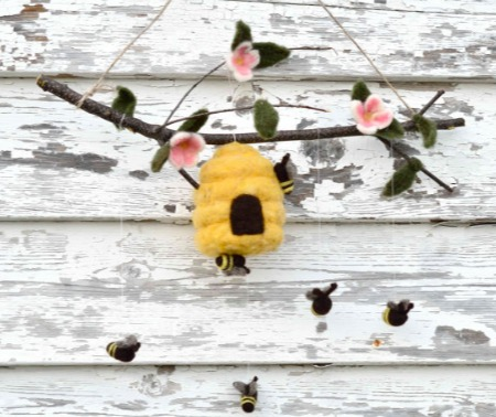 Sewn Natural - Bee Mobile