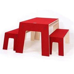 Perludi-Oskar Bench and table
