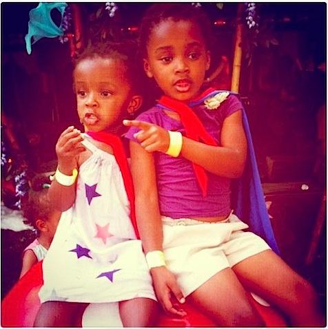 bambino goodies girls on toadstool in superhero gear