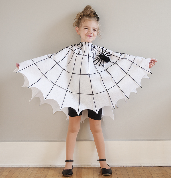 diy_spider_web_costume_1